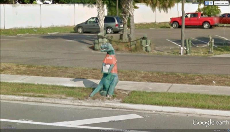 Street View : Les boites aux lettres insolites - Page 4 Gator10
