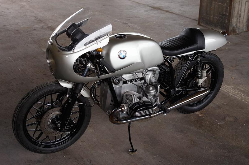 C'est ici qu'on met les bien molles....BMW Café Racer - Page 4 Bmw-r110