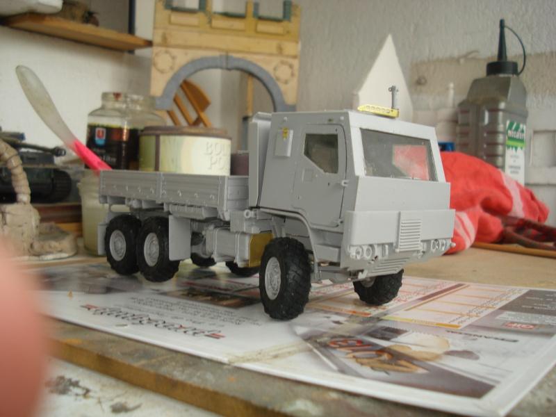 camion usa M1083 MTV [Trumpeter, 1/35] cabine blindée  Dsc08222