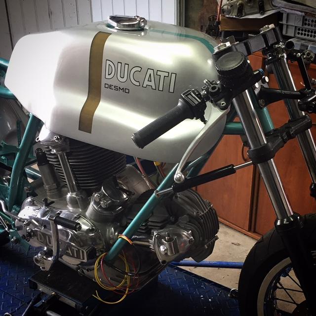 Ducat' 750 et 860 Coniques - Page 4 Img_2517
