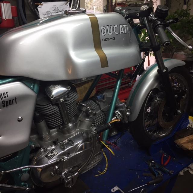 Ducat' 750 et 860 Coniques - Page 4 Img_2519
