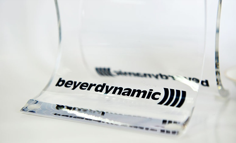 Hifi Accessories: Passive Preamp, Tecnik Karaoke Amp, Beyerdynamic Headphone Stand, Sony Metal Cassette, 3D Glasses, (Updated) Beyer410