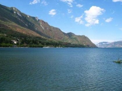 Le Lac - Alphonse de Lamartine Le_lac11