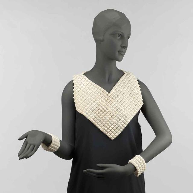 Roman d'une garde-robe 620-2010