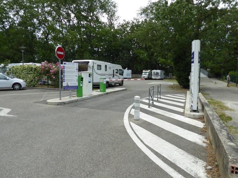 Castelnaudary - Aire de stationnement et services (Camping-Car Park) P1000713