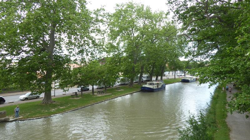 Castelnaudary - Aire de stationnement et services (Camping-Car Park) P1000715
