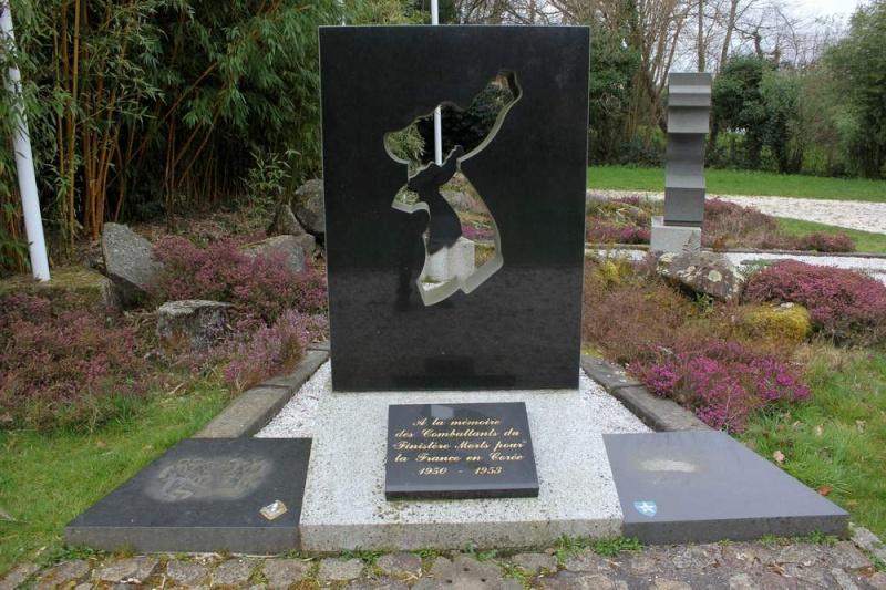 Mémorial de L'Hôpital-Camfrout 310