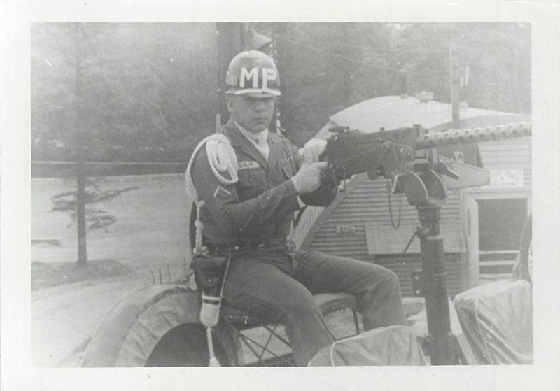 UN MP de la 1st Cav. en 1962 34911813