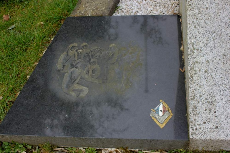 Mémorial de L'Hôpital-Camfrout 411
