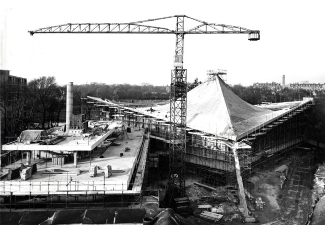 anciennes grues - Page 3 Constr12