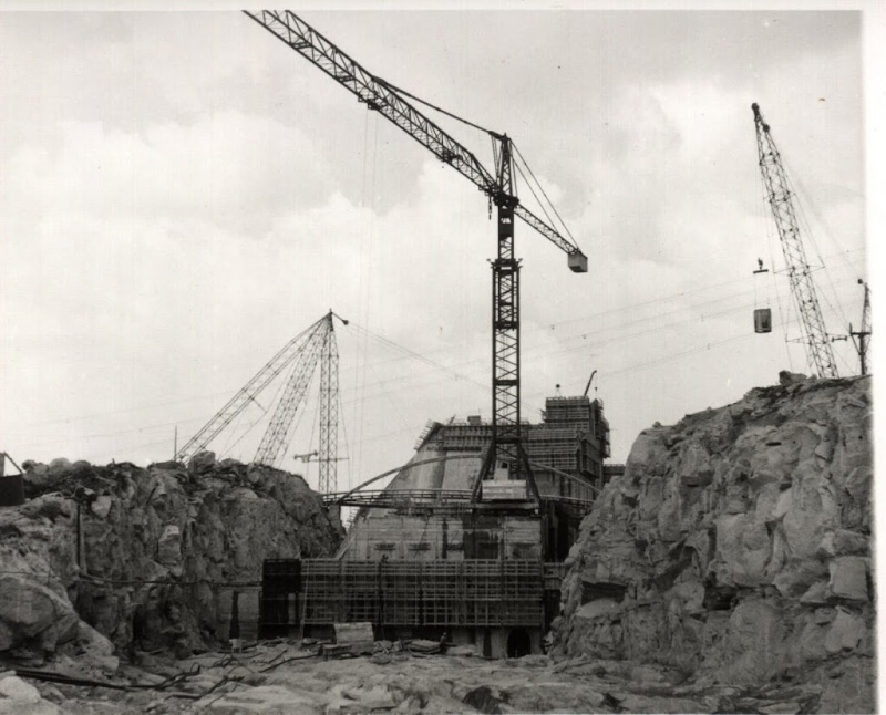 anciennes grues - Page 3 Emb110