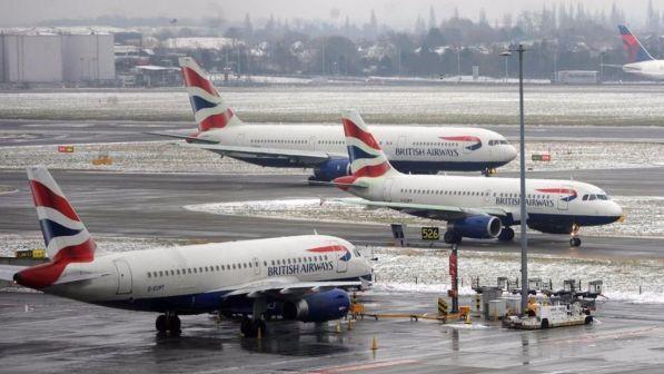Problemi al sistema informatico: British Airways cancellati i voli C_2_ar11