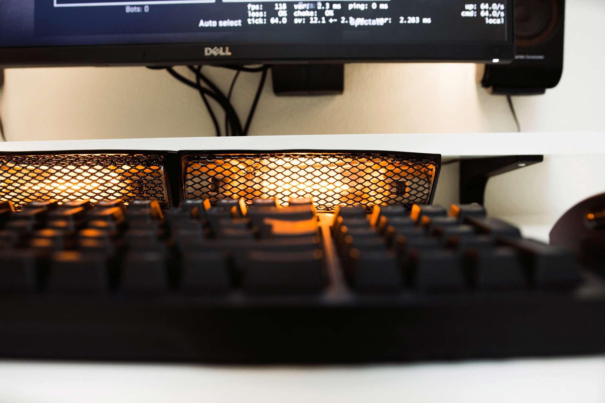 La lampada-scaldamani da tastiera Lampad10