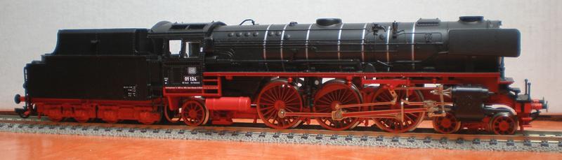 Neubaukessel BR 01 mit Kurztender 2'2T30 - Spur HO 01_12410