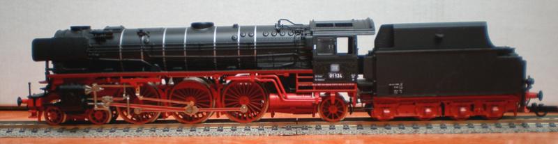 Neubaukessel BR 01 mit Kurztender 2'2T30 - Spur HO 01_12411