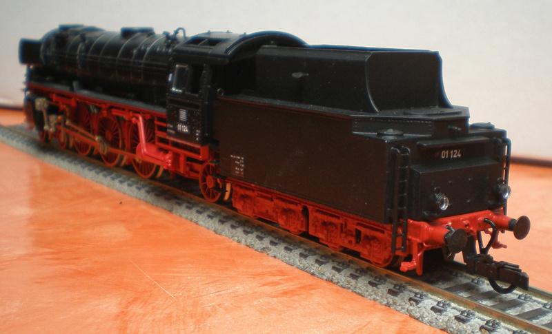 Neubaukessel BR 01 mit Kurztender 2'2T30 - Spur HO 01_12412