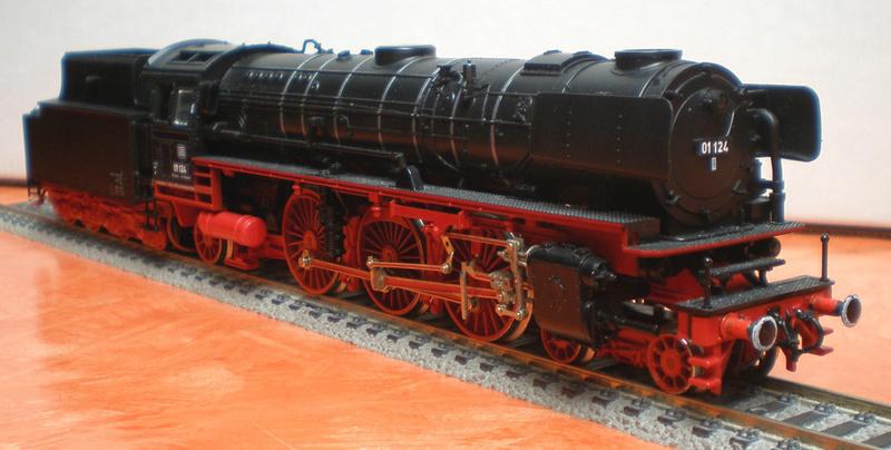 Neubaukessel BR 01 mit Kurztender 2'2T30 - Spur HO 01_12413