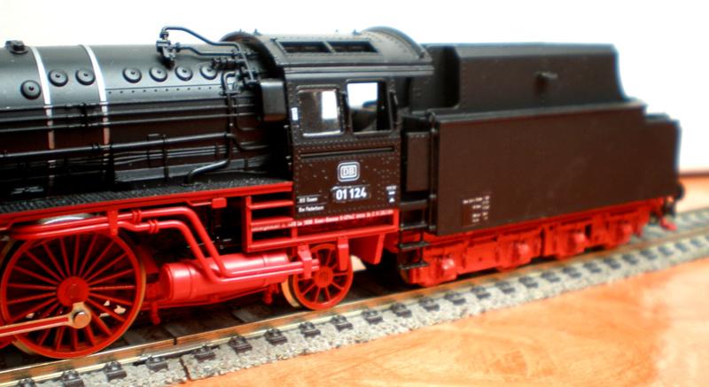 Neubaukessel BR 01 mit Kurztender 2'2T30 - Spur HO 01_12416