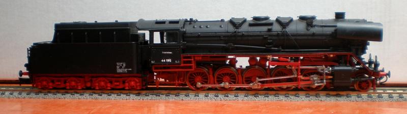 DR Lok 44 195 mit Versuchs-Ölfeuerung 44_19512