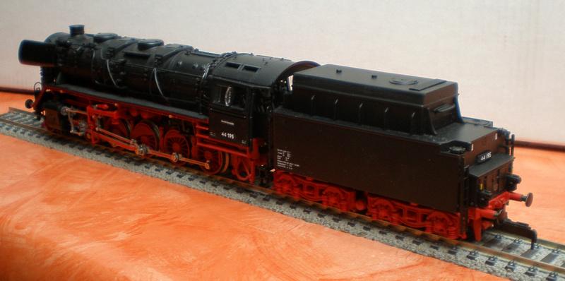 DR Lok 44 195 mit Versuchs-Ölfeuerung 44_19515