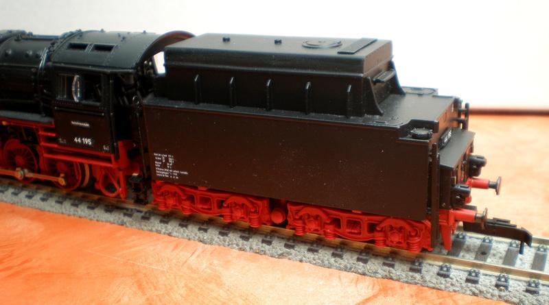 DR Lok 44 195 mit Versuchs-Ölfeuerung 44_19516