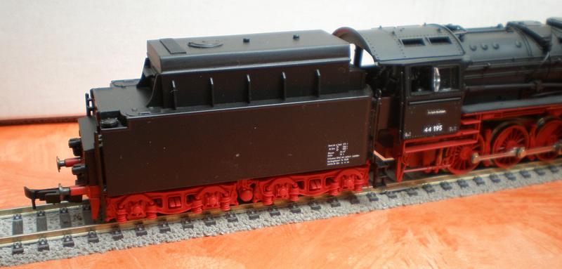 DR Lok 44 195 mit Versuchs-Ölfeuerung 44_19517