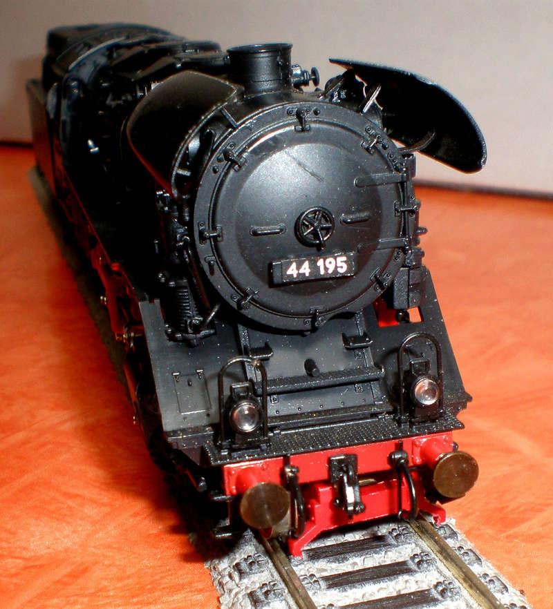 DR Lok 44 195 mit Versuchs-Ölfeuerung 44_19523