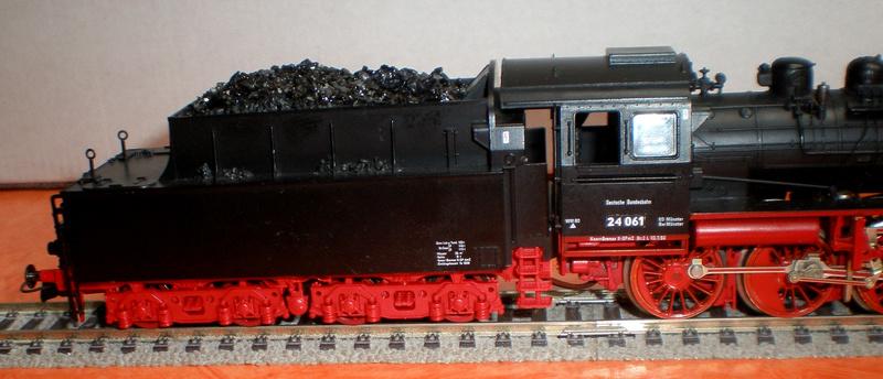Lok 24 061 mit Langlauftender Spur HO Br_24_14