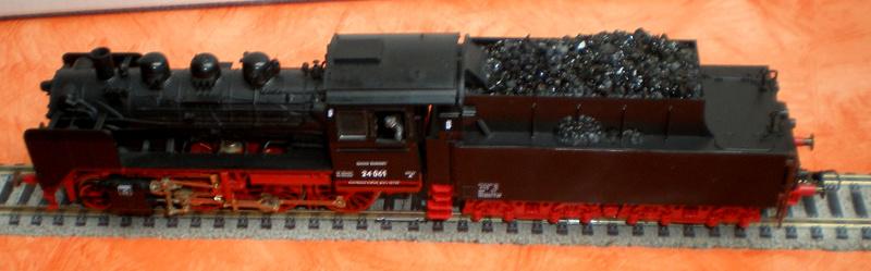 Lok 24 061 mit Langlauftender Spur HO Br_24_16