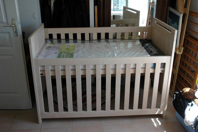 [Réalisation] Chambre de bébé : le lit et sa commode Lit_110