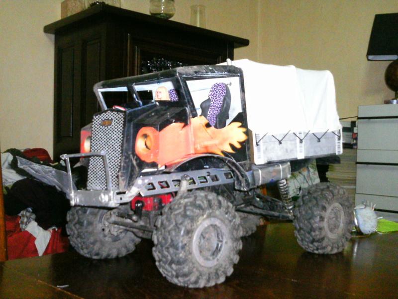 Première carro fabriquée a la main! - Page 2 Bache_10