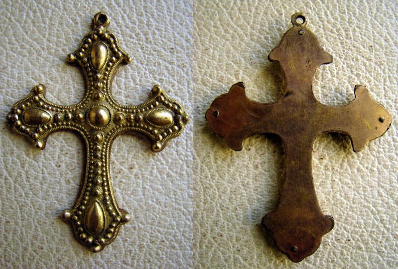 Probablement crucifix de chapelet - 1ère moitié du XXème Dsc07919