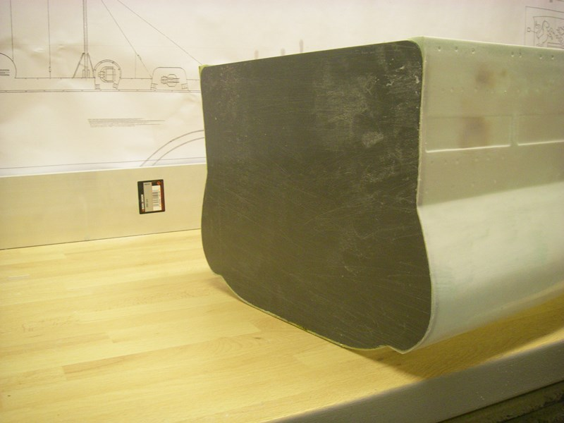 Flugzeugträger Graf Zeppelin 1:100 Imgp3715