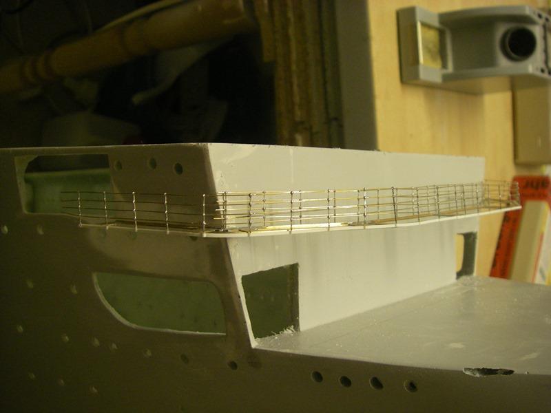Flugzeugträger Graf Zeppelin 1:100 Imgp4026