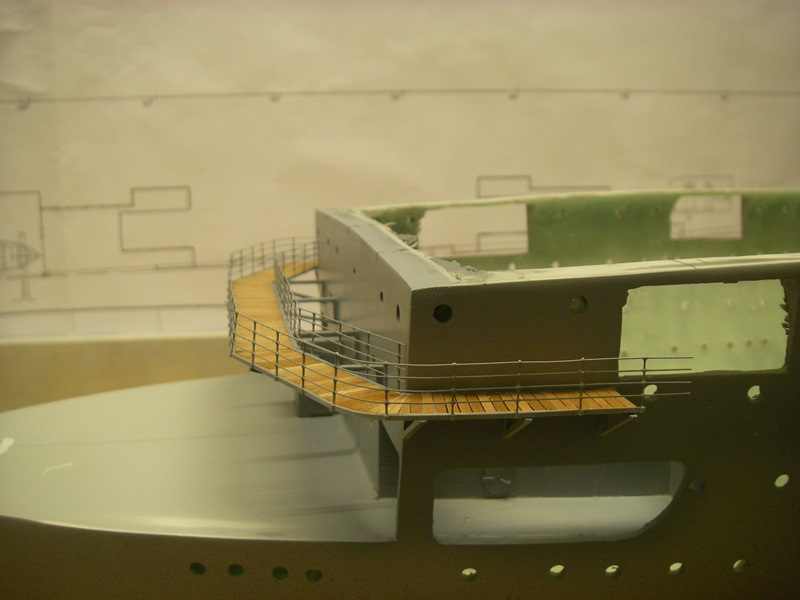 Flugzeugträger Graf Zeppelin 1:100 - Seite 2 Imgp4112