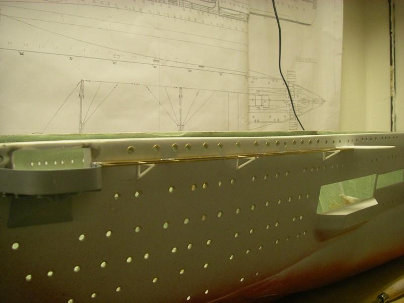 Flugzeugträger Graf Zeppelin 1:100 - Seite 2 Imgp4127