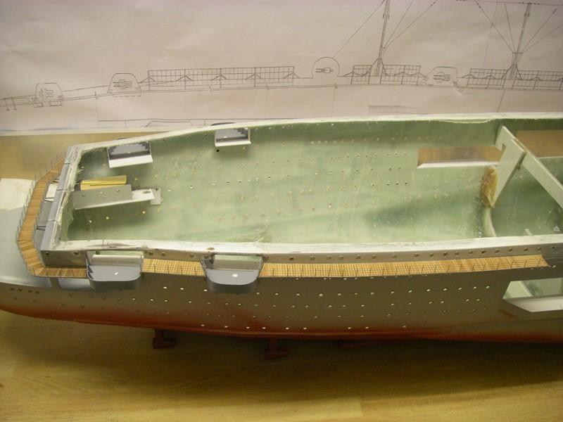 Flugzeugträger Graf Zeppelin 1:100 - Seite 2 Imgp4129