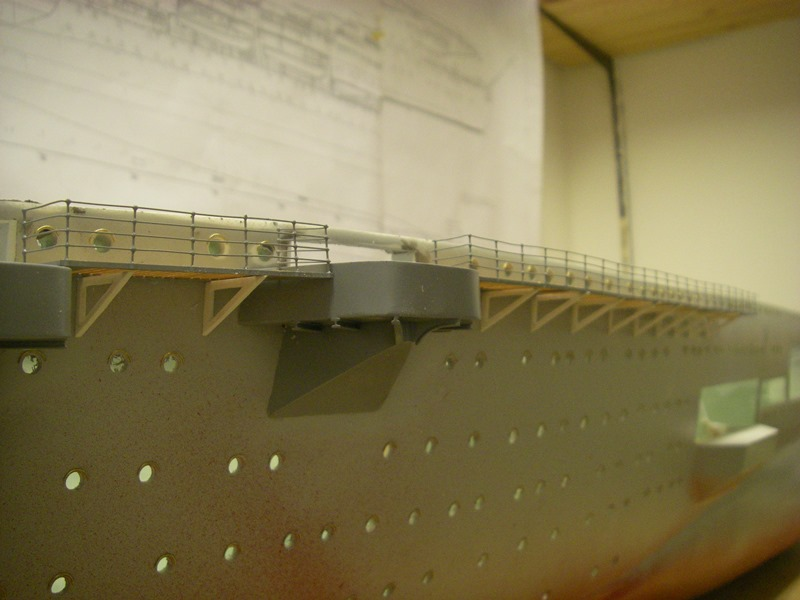 Flugzeugträger Graf Zeppelin 1:100 - Seite 2 Imgp4132