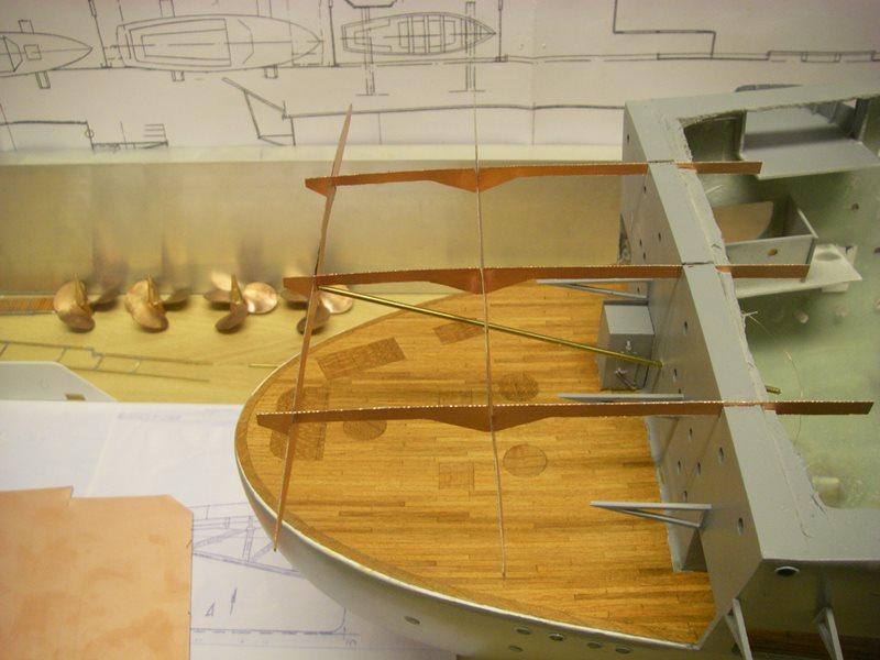Flugzeugträger Graf Zeppelin 1:100 - Seite 3 Imgp4165