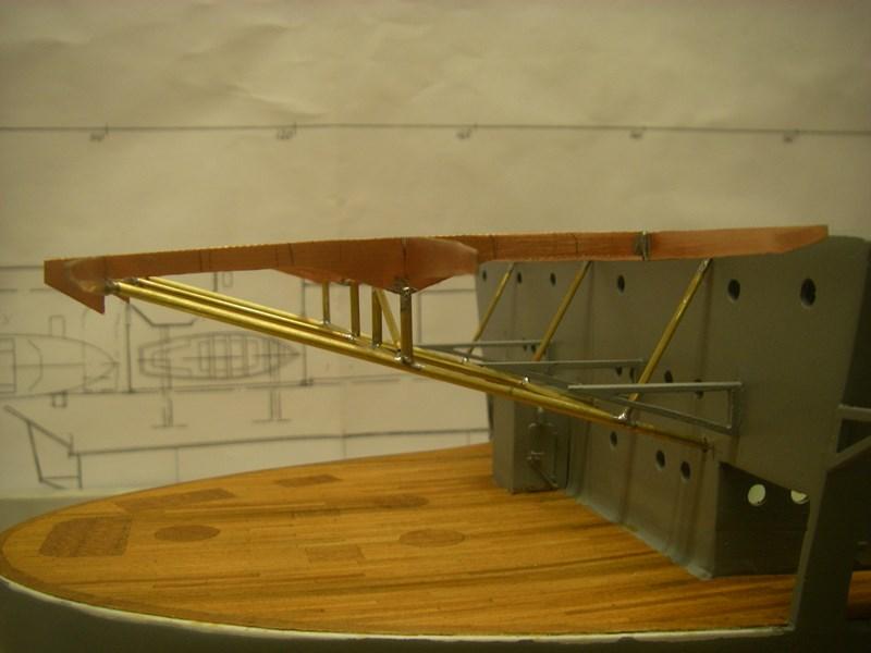 Flugzeugträger Graf Zeppelin 1:100 - Seite 3 Imgp4171