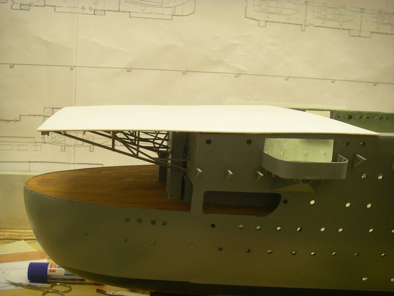 Flugzeugträger Graf Zeppelin 1:100 - Seite 3 Imgp4215
