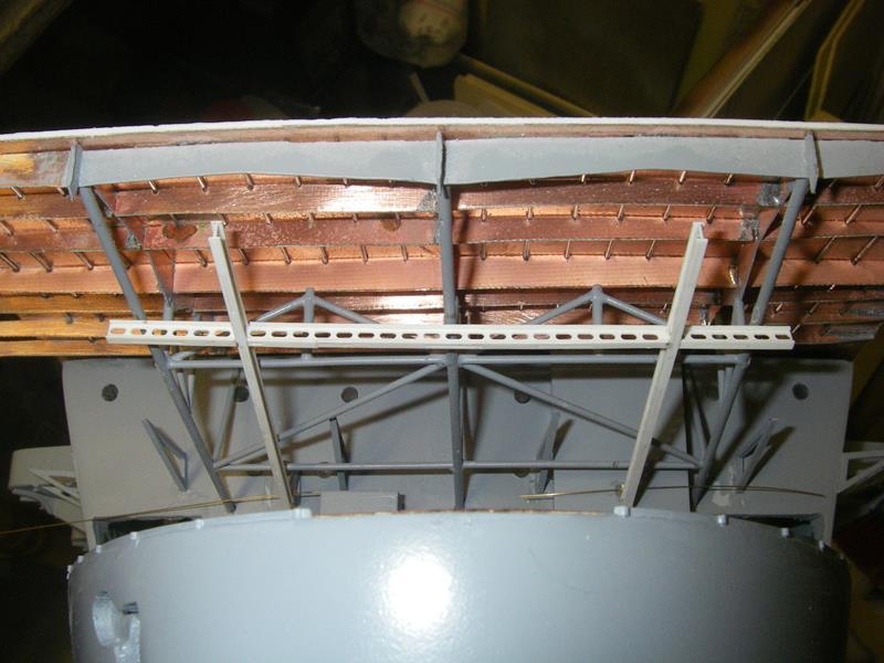 Flugzeugträger Graf Zeppelin 1:100 - Seite 3 Imgp4228
