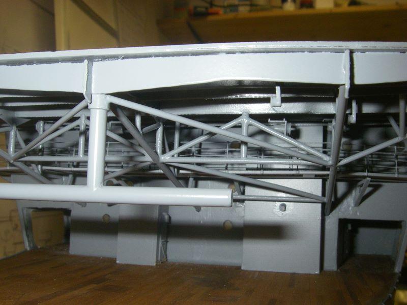 Flugzeugträger Graf Zeppelin 1:100 - Seite 3 Imgp4254