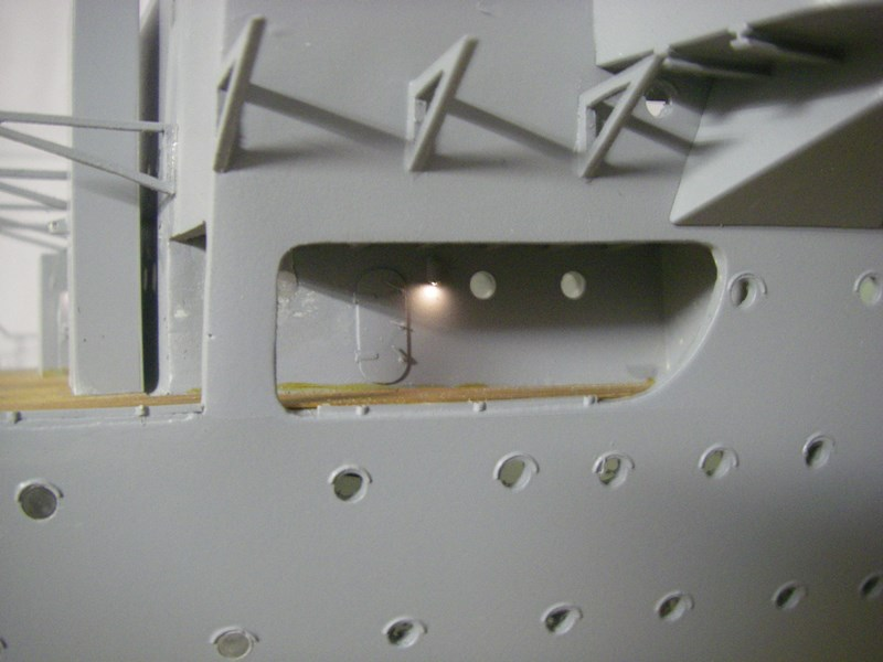 Flugzeugträger Graf Zeppelin 1:100 - Seite 3 Imgp4257