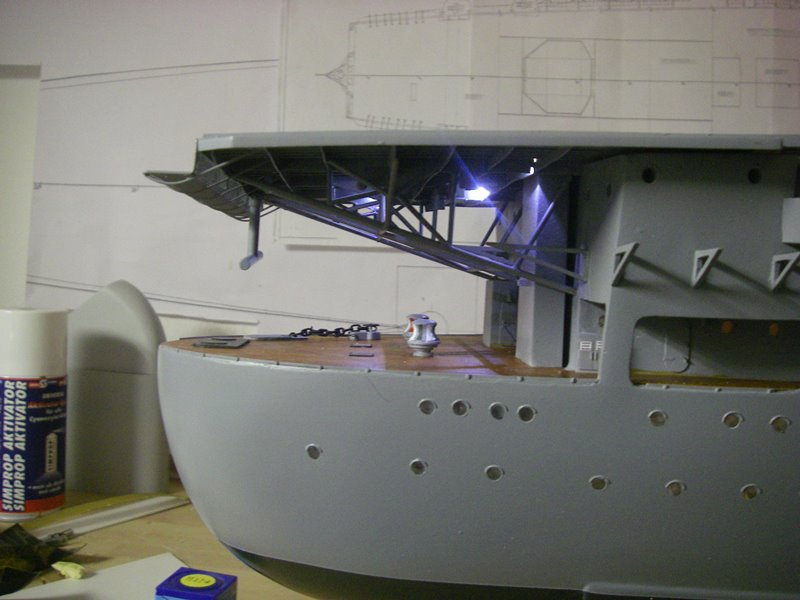 Flugzeugträger Graf Zeppelin 1:100 - Seite 6 Imgp4473
