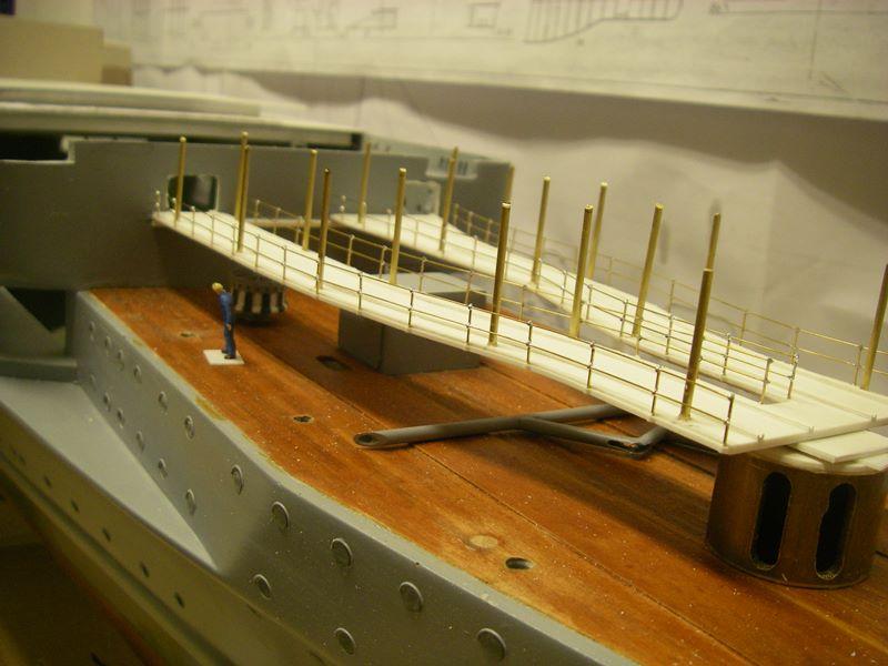 Flugzeugträger Graf Zeppelin 1:100 - Seite 17 Imgp5428
