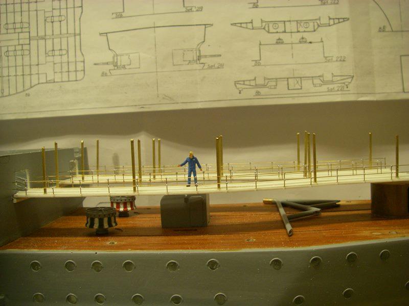 Flugzeugträger Graf Zeppelin 1:100 - Seite 17 Imgp5429