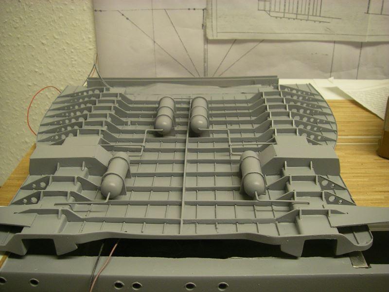 Flugzeugträger Graf Zeppelin 1:100 - Seite 17 Imgp5434