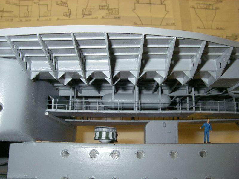 Flugzeugträger Graf Zeppelin 1:100 - Seite 17 Imgp5437