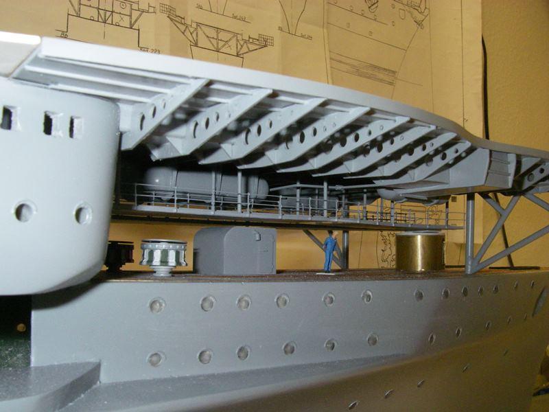Flugzeugträger Graf Zeppelin 1:100 - Seite 17 Imgp5438